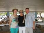 Eve and Jack Dudley with Maare Kuuskvere. KFES piknik, Anna Maria Island, 26 aprill 2015. Foto: Lisa Mets