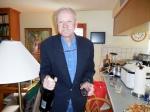 Tõnu Toomepuu offers us champagne again! KFES, 20. märts. 2016. St. Petersburg, FL. Foto: Lisa A. Mets