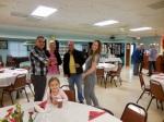 (f) Chloe Cabrera. (b) Eric Cabrera, Birgit and Vincent Delaidatti, and Regina Reet Cabrera. KFES Supp ja Võileiva Lõunasöök. 7. jaan. 2017. Seminole, FL. Foto: Lisa A. Mets