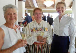 Anu Nerska, Kersti Linask, and Linda Lepik. Estonian Society of Central Florida (KFES), EV99 celebration, 25 Feb 2017, Clearwater, FL. Foto: Lisa Mets